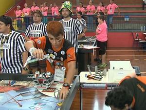 Torneio de Robótica em Araras (Foto: Felipe Lazzarotto/ EPTV)