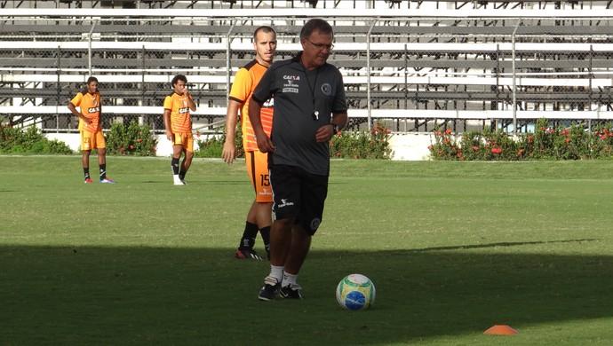 Beto Almeida, técnico do ASA (Foto: Leonardo Freire/GloboEsporte.com)
