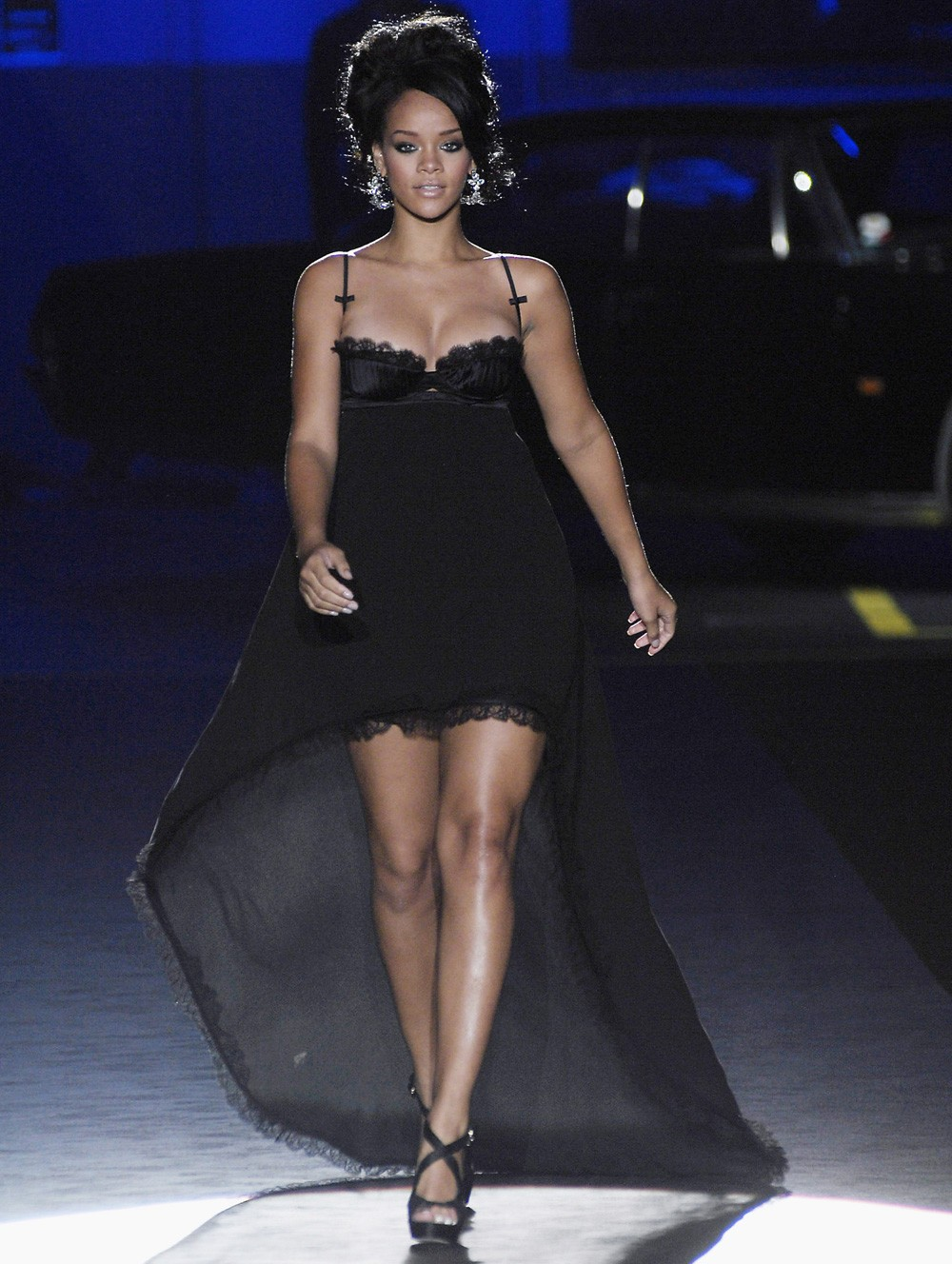 Faceta modelo na passarela da DSquared2 (Foto: Getty Images)