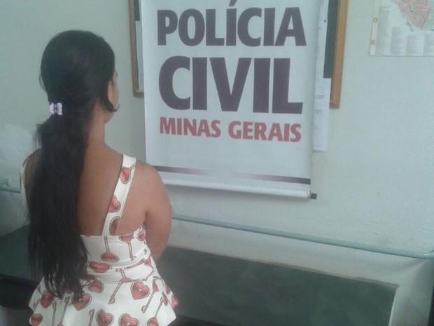 Mulher foi presa pela PC nesta quarta-feira (Foto: Polícia Civil/Divulgação)