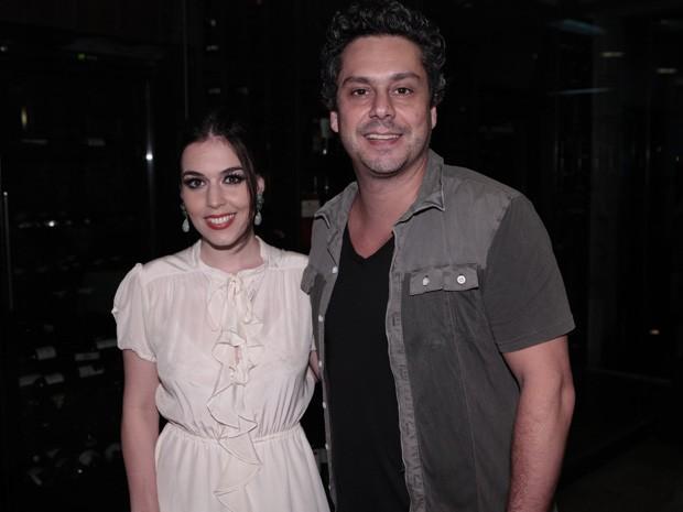 Alexandre Nero aproveitou a festa com a namorada (Foto: Fina Estampa / TV Globo)