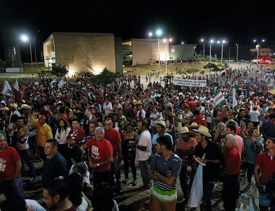 Lula discursa em Juazeiro do Norte (CE).Cidades que vivem do Bolsa Família foram seus principais palcos (Foto: Adriano Machado/ÉPOCA)