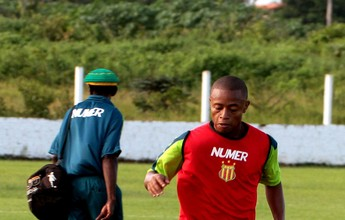 Edgar é reintegrado ao elenco e deve reaparecer no jogo contra o Paysandu