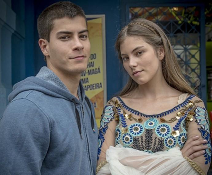 Bruna fez par em Malhação Sonhos com o ator Arthur Aguiar (Foto: Alex Carvalho / TV Globo)