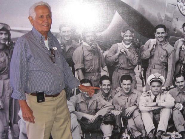 Major se reconhece em foto durante evento em 2011 (Foto: Luis Gabriel / Sentando a Pua / Dilvulgação)