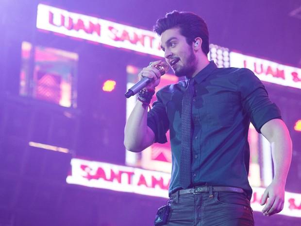 O cantor Luan Santana é um dos queridinhos das fãs adolescentes  (Foto: Érico Andrade/G1)