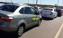 Motorista é agredido por grupo de taxistas (Isabella Calzolari/G1)