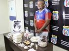 Homem é preso e afirma que vendia droga 'por causa da crise', em Manaus