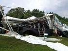 Feridos em queda de estrutura em feira durante temporal têm alta no RS