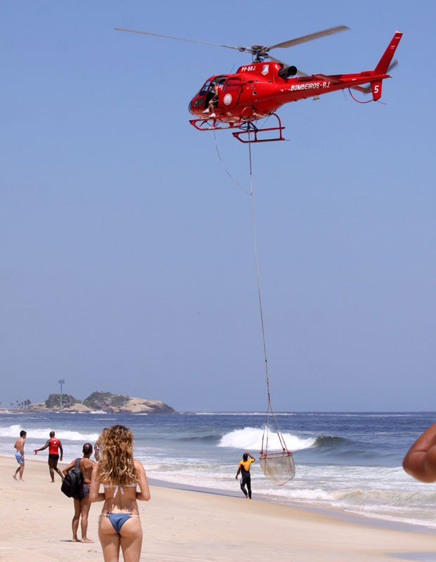Rita Guedes assistiu ao resgate (Foto: Wallace Barbosa /AgNews)