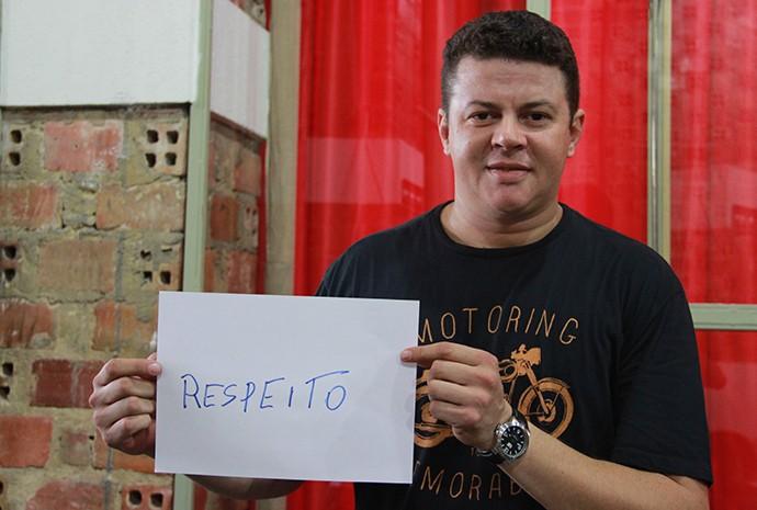 Alison Pontes, fundador e guitarrista da Official 80 (Foto: Katiúscia Monteiro/ Rede Amazônica)