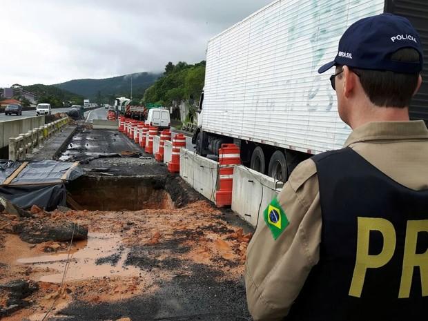 Trechos ficam na BRs 101, 282, 470 e 280 (Foto: PRF/Divulgação)