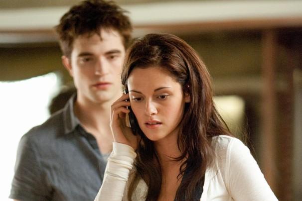 """Edward e Bella finalmente constituem matrimônio em """"Amanhecer - Parte 1"""", filme que inicia o final da história de amor entre um vampiro e uma humana (Foto: Divulgação)"""