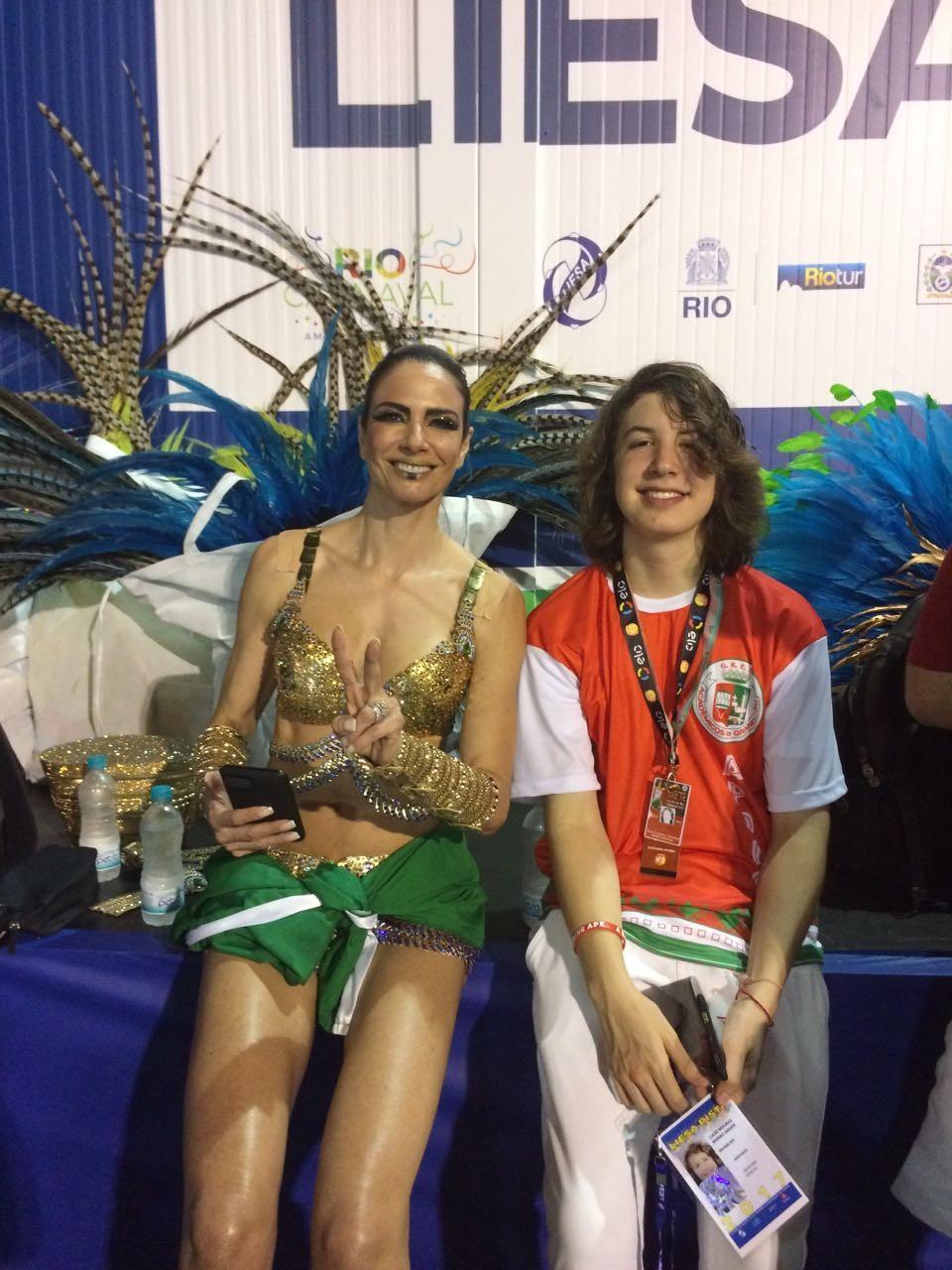 Luciana Gimenez e o filho, Lucas Jagger, que desfilarão juntos na Sapucaí (Foto: Guilherme Scarpa)