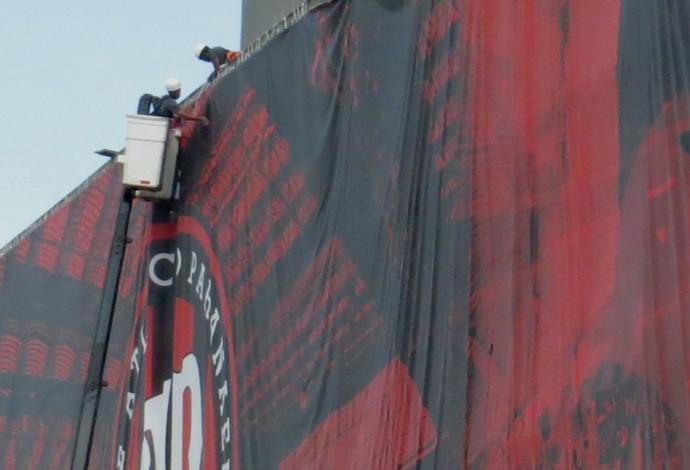 Banner; Arena da Baixada; Atlético-PR; fachada (Foto: Fernando Freire)