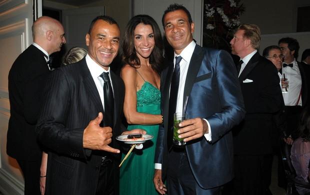 Prêmio Laureus - Cafú, Gullit e Esposa na Festa (Foto: André Durão)