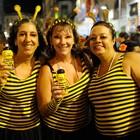 Amigas se fantasiaram de abelha (Diego Moraes/ G1)