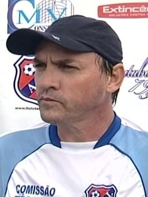 Gilson Batata, técnico da Ituiutabana (Foto: Reprodução / Tv Integração)