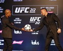 Curtinhas: Holloway presenteia Aldo com bola de futebol e cutuca brasileiro