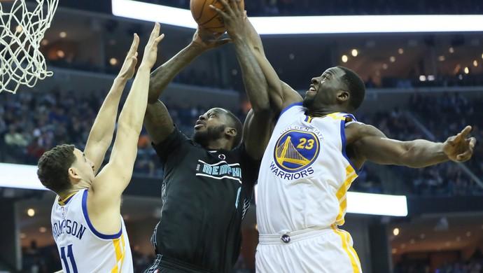 Draymond Green marca JaMychal Green Golden State Warriors Memphis Grizzlies (Foto: Nelson Chenault/Reuters)