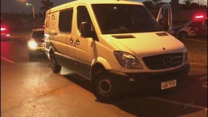 Moto bate em poste e deixa duas jovens mortas em Araraquara, SP