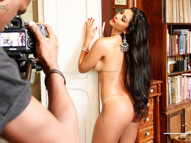 Ex-BBB Amanda posa para o Paparazzo (Foto: Mari Gibara/Paparazzo)
