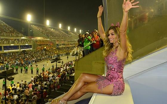 Grazi chamou a atenção no camarote Quem/O Globo (Foto: Revista Quem)