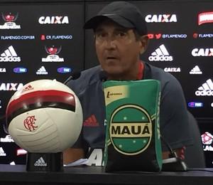Muricy entrevista Flamengo (Foto: Gustavo Rotstein)
