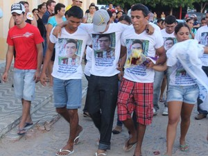 Enterro Marcleudo morto na arena da Amazônia (Foto: Nilo Leite/TV Jaguar)