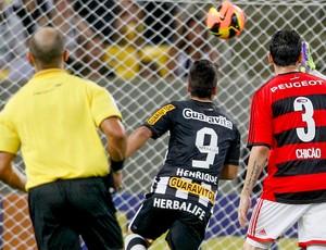 Henrique jogo Botafogo e Flamengo (Foto: Pedro Kirilos / Agência O Globo)