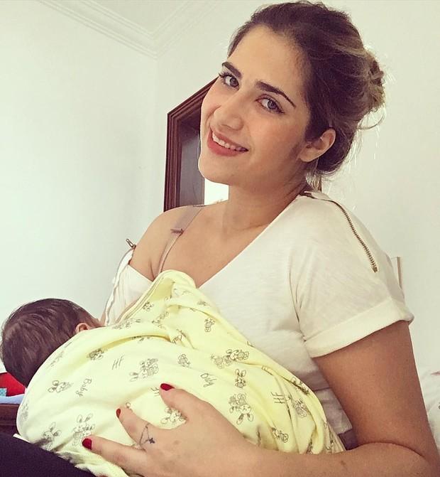 Jessica Costa com o filho (Foto: Instagram)
