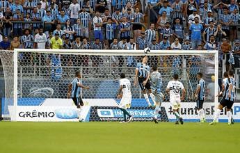Com cabeçada salvadora, Geromel vence enquete ao impedir gol do Coxa