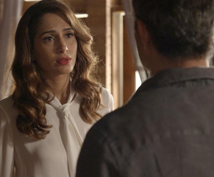 Regina decide terminar tudo com Carlos Alberto (Foto: TV Globo)