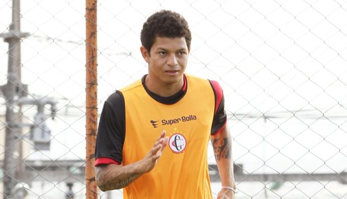Felipe Alves, atacante do Campinense (Foto: Julio Cezar / Jornal da Paraíba)