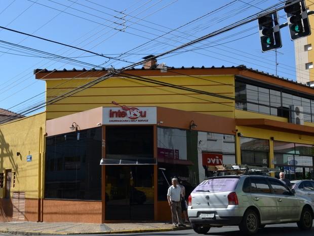 Casal gay fez BO contra a Churrascaria Intersul em Piracicaba (Foto: Fernanda Zanetti/G1)