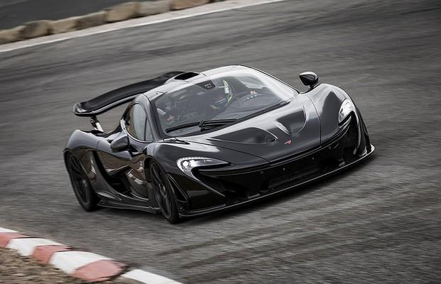 McLaren P1 em testes de alta temperatura (Foto: McLaren)