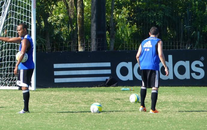 Bola Carioca treino Flamengo (Foto: Globoesporte.com)
