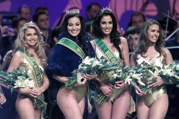 Miss Brasil 2004 - Grazi Massafera, Fabiane Niclotti, Iara Coelho e Priscilla Meirelles (Foto: José Patrício/Folhapress)