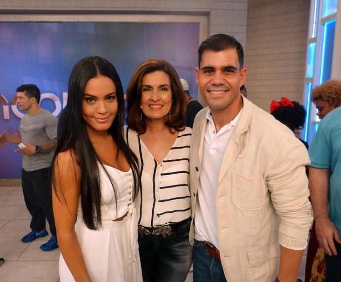 Letícia Lima, Fátima e Juliano Cazarré posam juntos (Foto: Viviane Figueiredo Neto/Gshow)