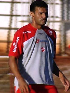 Éderson, volante do Vila Nova (Foto: Reprodução/TV Anhanguera)