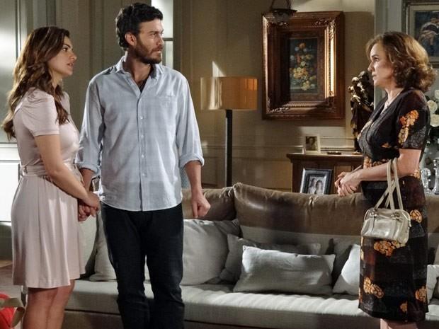 Solange exige que Rodrigo e Elisa se casem (Foto: Divulgação/TV Globo)