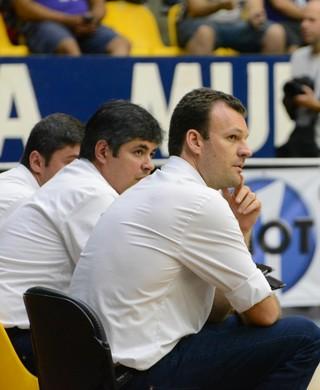Mesmo com vitória, Padovani está insatisfeito com atitude da equipe (Foto: Bruno Rocha)