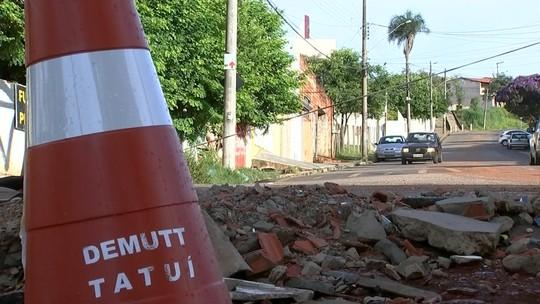 Motoristas reclamam de buracos em ruas de Tatuí