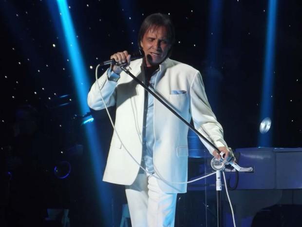 Show do rei Roberto Carlos aconteceu neste sábado (30), em Natal (Foto: Fred Carvalho/G1)