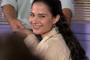 Marcela entra no Múltipla Escolha e fica fascinada por Gustavo