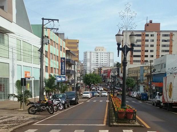 Horários definidos para Pato Branco, no sudoeste do Paraná, também são válidos para o comércio dos municípios vizinhos (Foto: João Tosta / RPC)