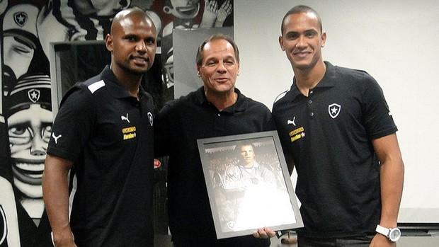 Botafogo dia do Goleiro comemoração (Foto: Marcos Silva / Divulgação Botafogo)