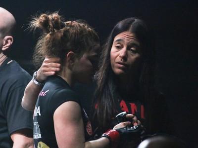 Letícia Ribeiro e Ana Carolina Vidal Invicta MMA (Foto: Evelyn Rodrigues)