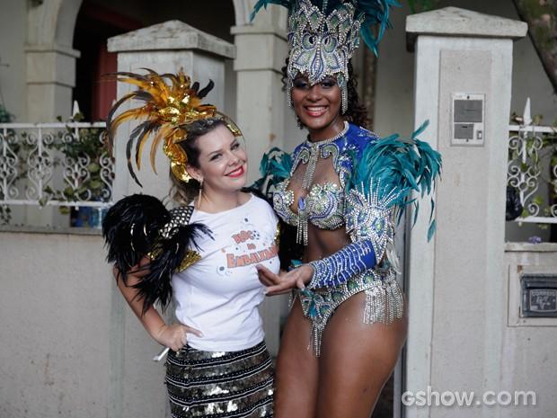 Fernanda Souza e a passista da Unidos da Tijuca, Camilla Cristina (Foto: Pedro Curi / TV Globo)