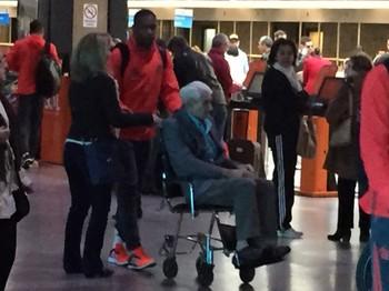 Juan Flamengo aeroporto Porto Alegre (Foto: Gustavo Rotstein)